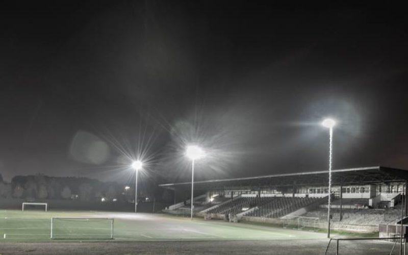 Im Schatten der Fußball-Glamourwelt